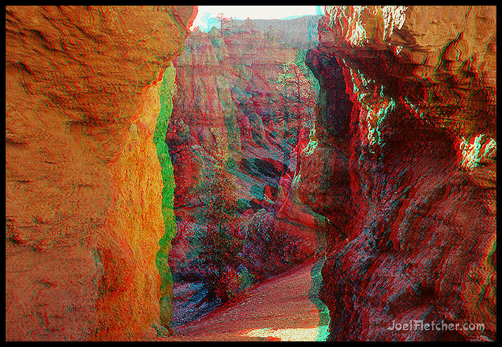 3D photo of rock passage at Bryce. gallery