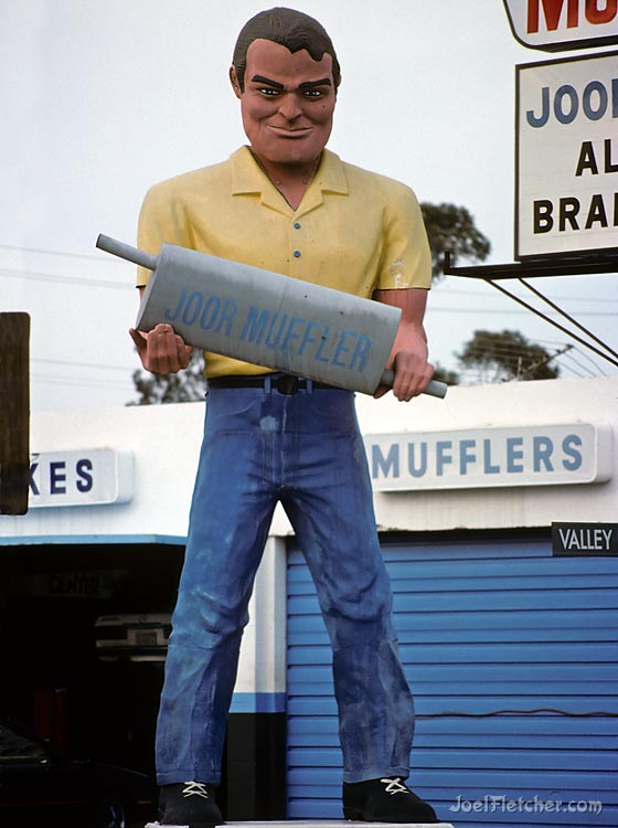 Giant Joor Muffler Man. gallery