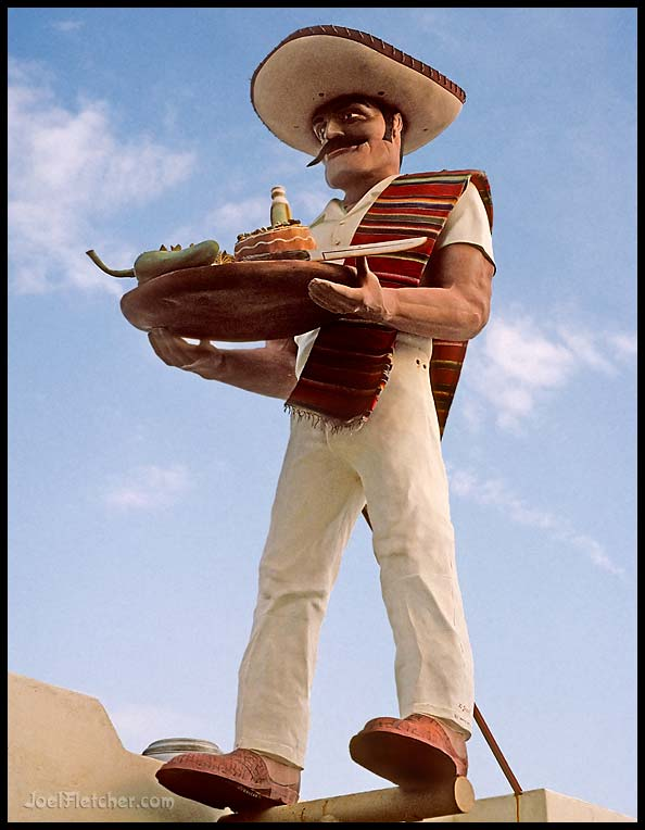 Colossal mexican muffler man sculpture. gallery